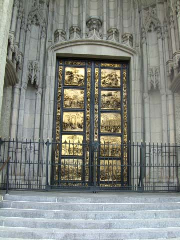aachurch-with-gold-doors.JPG