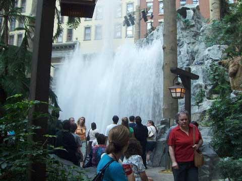 sams-fountain-2-sm.jpg