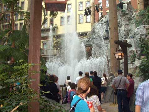 sams-fountain-sm.JPG