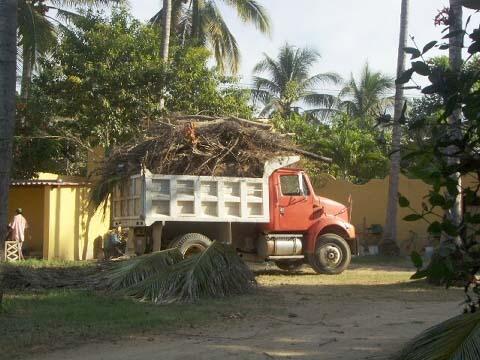 a-hauling-junk.jpg