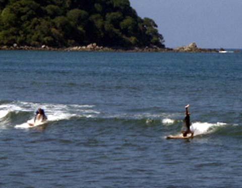 a-surfing.jpg