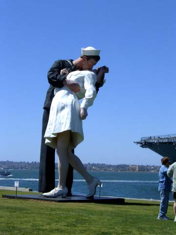 aa-sailor-statue.jpg