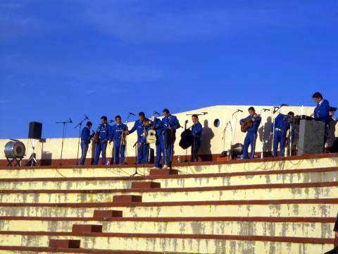 1a-mariachi.jpg