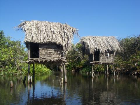 a-huts.jpg