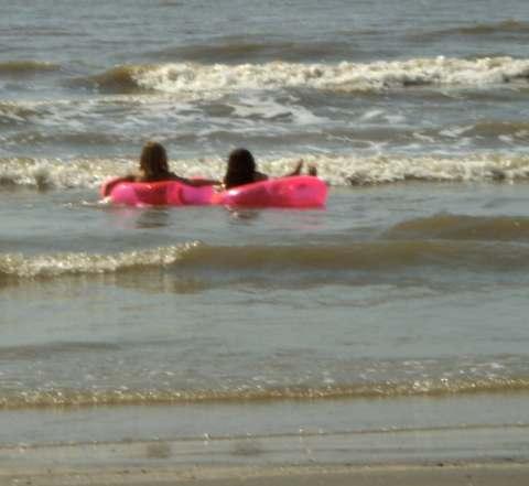 a-girls-at-beach2.jpg
