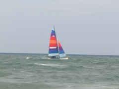 w-boat2-240.jpg