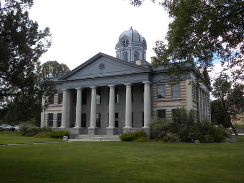 courthouse-fort-davis.jpg